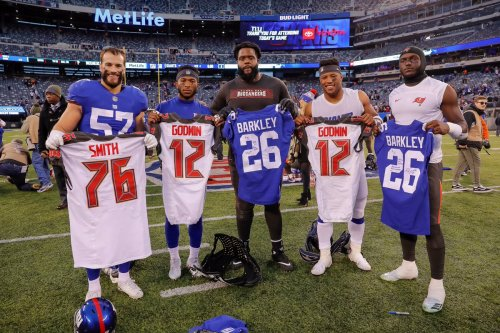 Five Nittany Lions Exchange Jerseys Following Buccaneers-Giants Game