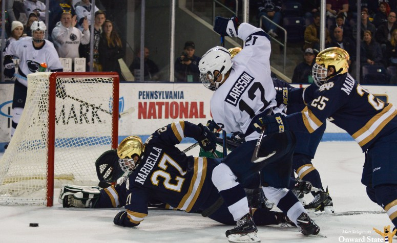 No 18 Penn State Hockey Holds On For 3 2 Win Over No 17 Notre Dame