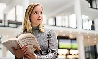 This Woman Read 100 Books In A Month With The Blinkist App
