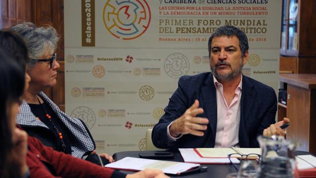 El secretario ejecutivo de Clacso, Pablo Gentili, fue el encargado de lanzar el encuentro.
