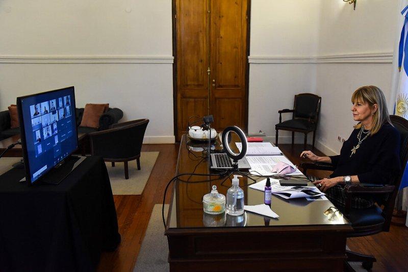 La vicegobernadora Rodenas encabezó la reunión del comité de emergencia.