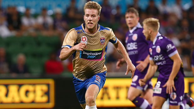 Andrew Hoole has signed with Central Coast Mariners.