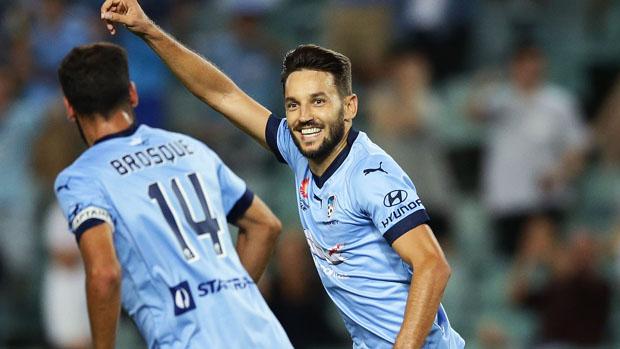 Milos Ninkovic starred in Sydney FC's 3-1 win over Wellington Phoenix.