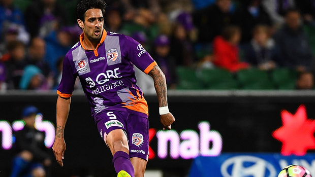 Rhys Williams has signed with Melbourne Victory after departing Perth Glory.