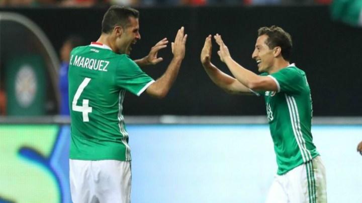 Rafa Marquez e Andrés Guardado con la maglia del Messico | Numerosette Magazine