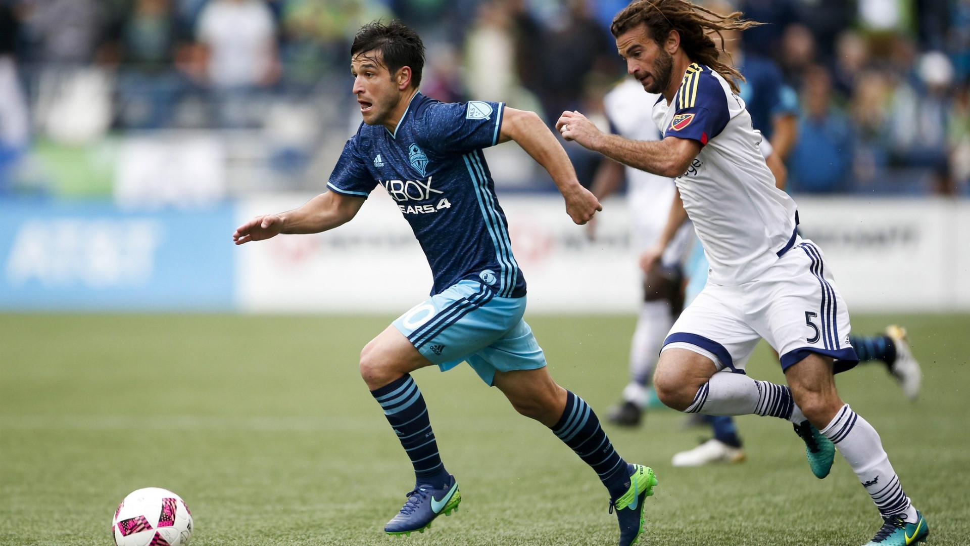 Nicolas Lodeiro Kyle Beckerman MLS 10232016