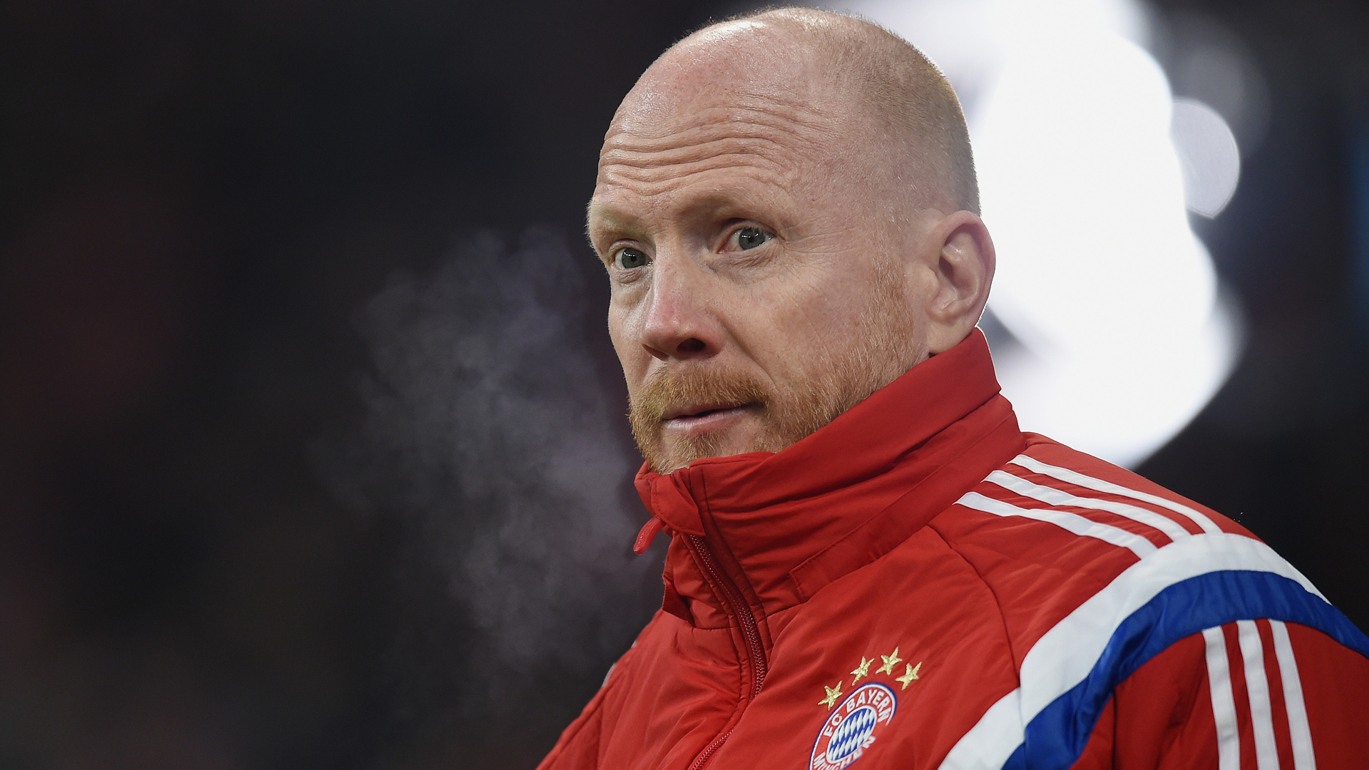 Sammer garante que Douglas Costa não chega para o lugar de Ribéry