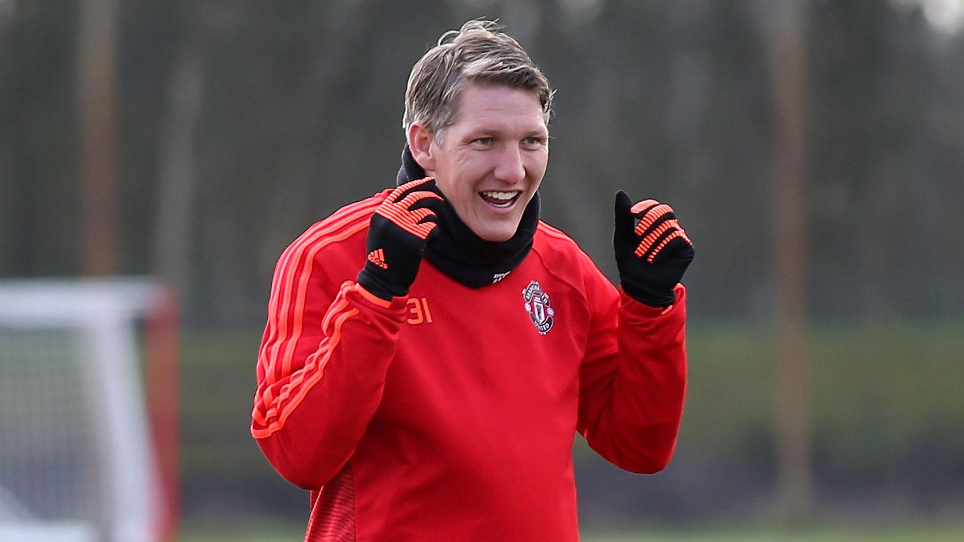 """Ex-Bayern detona Mou e United: """"Tratam Schweinsteiger como um leproso"""""""