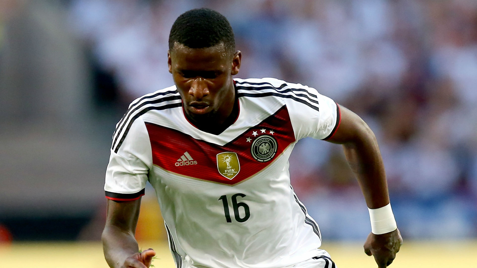 Roma complete Rudiger signing from Stuttgart