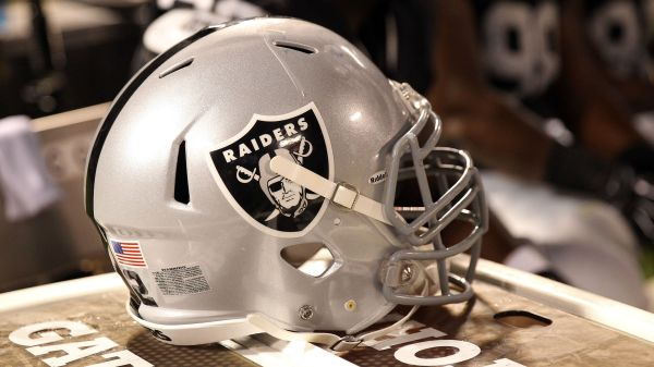 Willie Brown, Hall of Famer and Raiders legend, dies at 78
