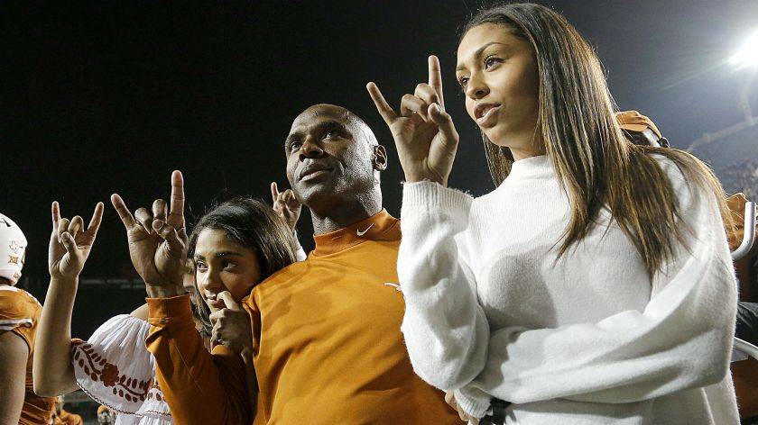 Charlie-Strong-horns-112516-Getty-FTR.jpg