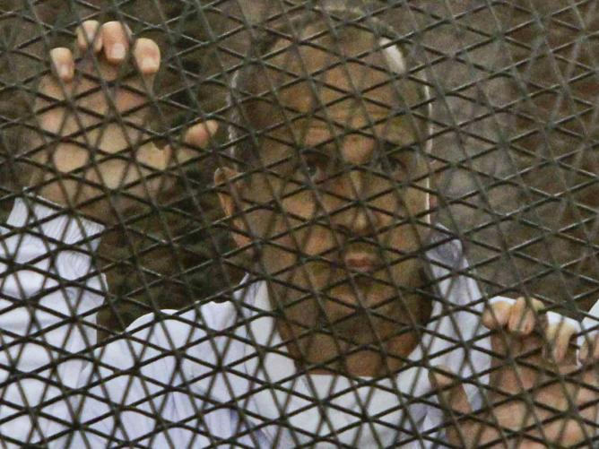 """Al Jazeera journalist Peter Greste is inside the defendant's cage in a courtroom during a trial for terror charges in Cairo. """"Srcset ="""" 320 & https://images.perthnow.com.au/publication/9C73173945B6CFB8BB0873D7422CE87E/1562899229499_598367e2e9122b0879964a4352bc6b8f.jpeg?imwidth= impolicy pn_v3 = 320W, 375W https://images.perthnow.com.au/publication/9C73173945B6CFB8BB0873D7422CE87E/ 1562899229499_598367e2e9122b0879964a4352bc6b8f.jpeg? Imwidth = 375 & impolicy = pn_v3, https://images.perthnow.com.au/publication/9C73173945B6CFB8BB0873D7422CE87E/1562899229499_598367e2e9122b0879964a4352bc6b8f. jpeg? imwidth = 414 & impolicy = pn_v3 414w, https://images.perthnow.com.au/publication/9C73173945B6CFB8BB0873D7422CE87E/1562899229499_598367e2e9122b0879964a4352bc6b8f.jpeg?imwidth=640&impolicy=pn_v3 640w, https://images.perthnow.com.au/publication/ 9C73173945B6CFB8BB0873D74223987E / 1562899229499_598367e2e9122b0879964a4352bc6b8f.jpeg? Imwidth = 668 & impolicy = pn_v3 668w, https://images.perthnow.com.au/publication/9C7317394 5B6CFB8BB0873D7422CE87E / 1562899229499_598367e2e9122b0879964a4352bc6b8f.jpeg? Imwidth = 736 & impolicy = pn_v3 736w, https://images.perthnow.com.au/publication/9C73173945B6CFB8BB0873D7422CE87E/1562899229499_598367e2e9122b0879964a4352bc6b8f.jpeg?imwidth=768&impolicy=pn_v3 768w, https://images.perthnow.com. ? au / publishing / 9C73173945B6CFB8BB0873D7422CE87E / 1562899229499_598367e2e9122b0879964a4352bc6b8f.jpeg imwidth = 828 & impolicy = pn_v3 828w, 984w https://images.perthnow.com.au/publication/9C73173945B6CFB8BB0873D7422CE87E/1562899229499_598367e2e9122b0879964a4352bc6b8f.jpeg?imwidth=984&impolicy=pn_v3, https: // pictures . perthnow.com.au/publication/9C73173945B6CFB8BB0873D7422CE87E/1562899229499_598367e2e9122b0879964a4352bc6b8f.jpeg?imwidth=1024&impolicy=pn_v3 1024w """"sizes ="""" (maximum width: 767px) 100vw, (minimum width: 768px) and (maximum width: 1020px) 100vw, 668px"""