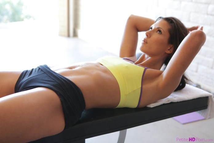 PetiteHDPorn.com - Alexa Tomas: Total Workout - S10:E1