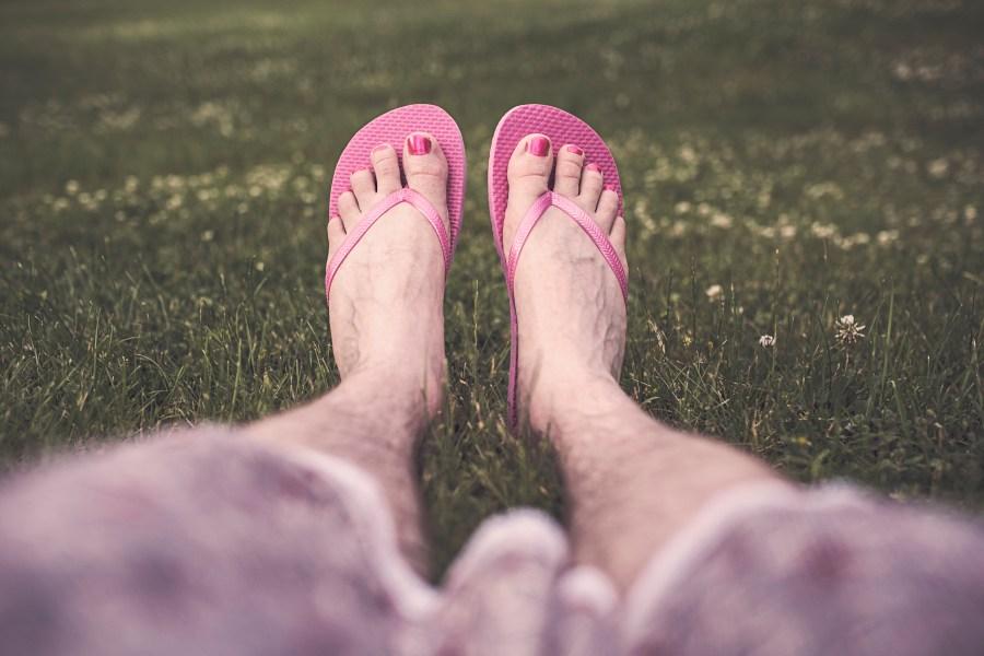 chilling, feet, flip-flops