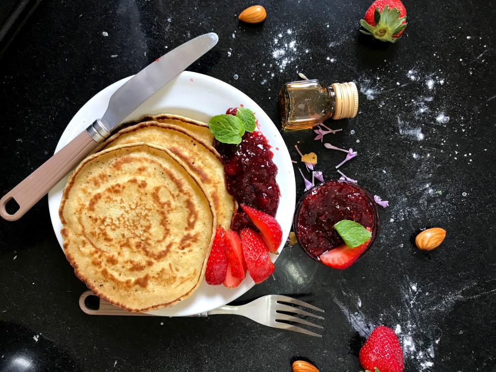 What are the benefits of eating breakfast?