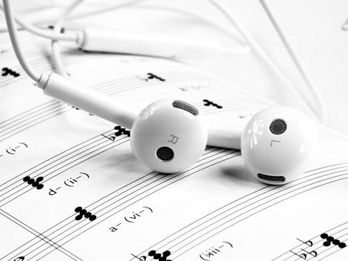 9 tips belajar bahasa inggris lewat lirik lagu