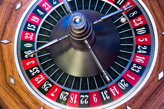 https://i2.wp.com/images.pexels.com/photos/33267/roulette-roulette-wheel-ball-turn.jpg?resize=540%2C360&ssl=1