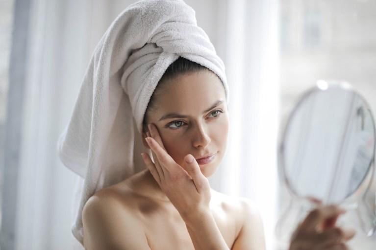 Kostnadsfri bild av acne, avslappning, bad, badrock