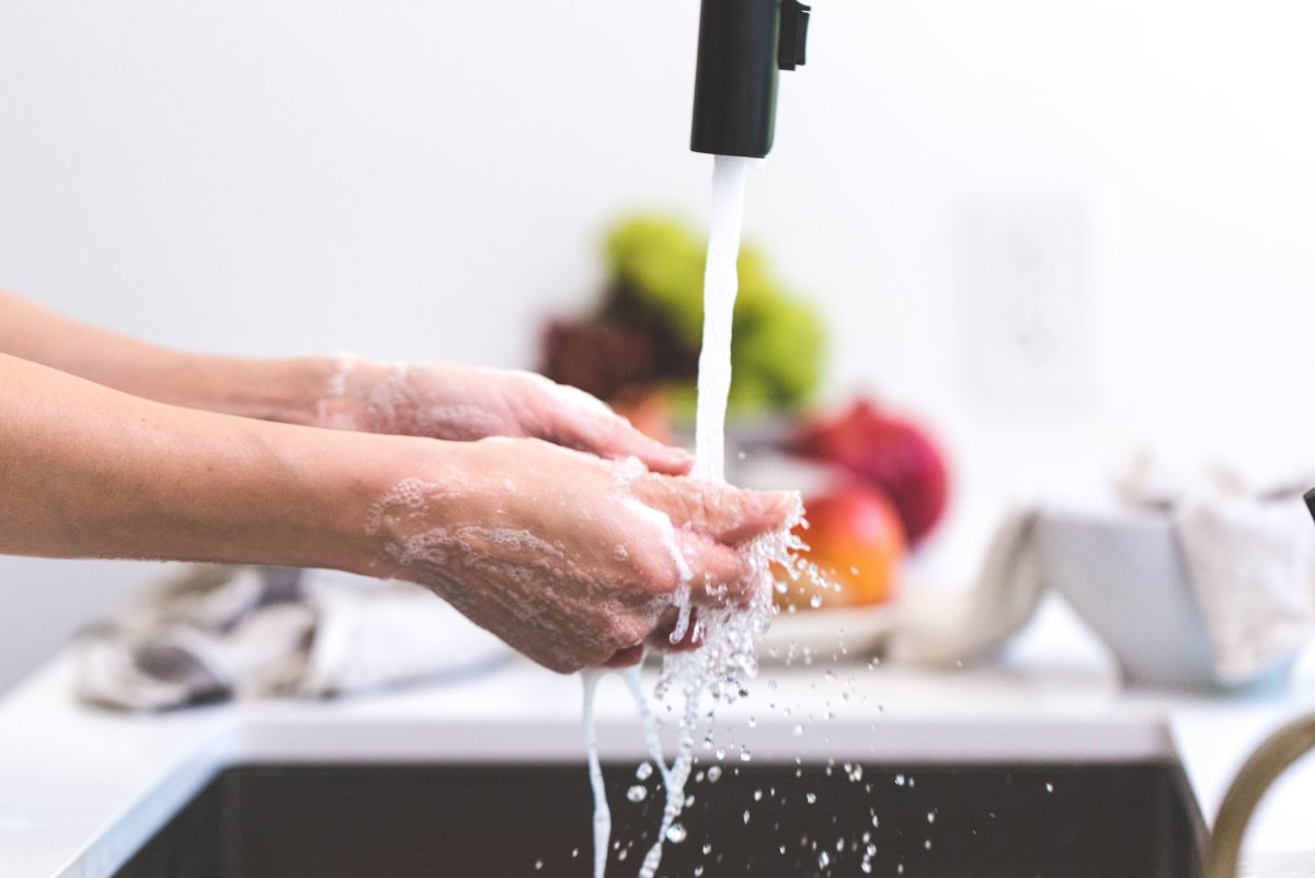 Free stock photo of hands, kitchen, washing, cooking