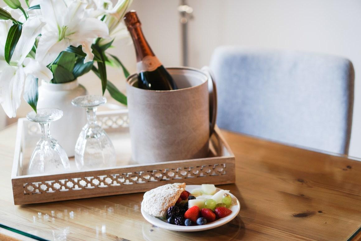 breakfast, champagne, hotel