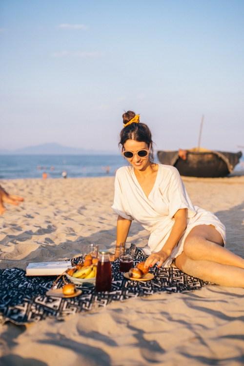 Immagine gratuita di acqua, amante della spiaggia, amanti della spiaggia