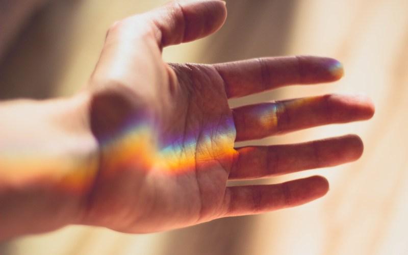 rainbow-on-hand