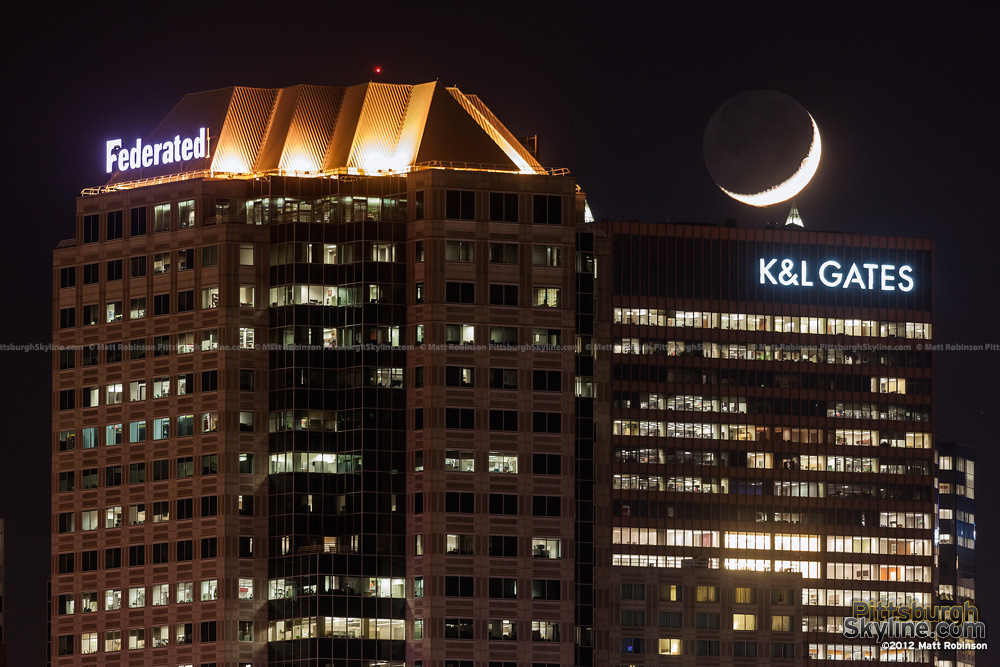 Moonset over K&L Gates center