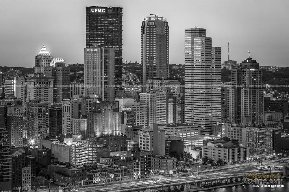 Black and White Pittsburgh Skyline