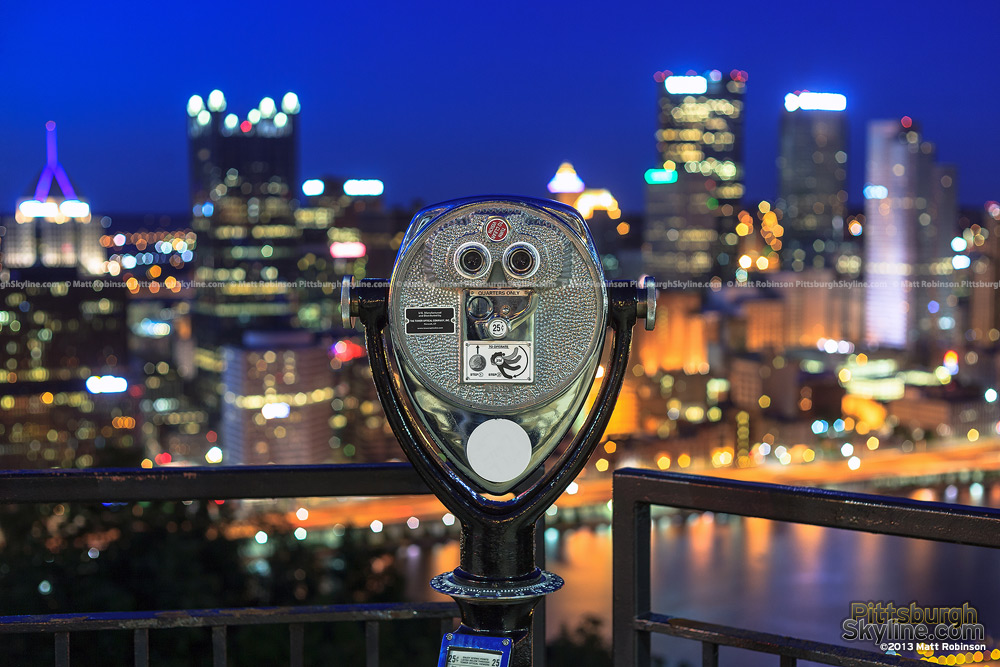 Pittsburgh sightseeing viewfinder at night