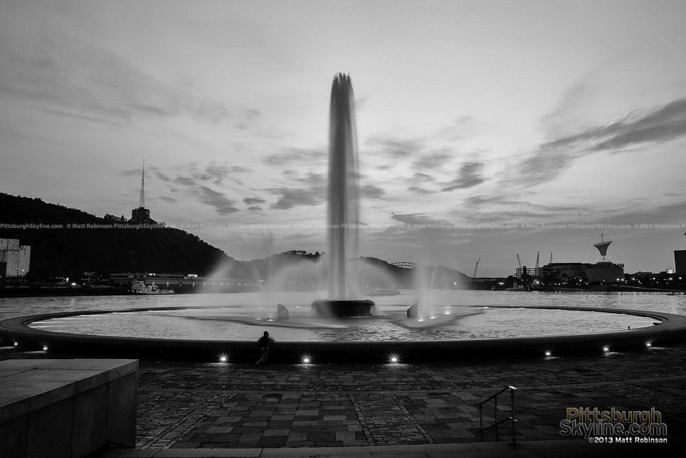 Black and White Pittsburgh Fountain at the point