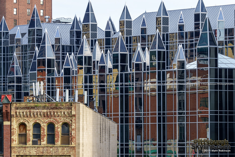 Contrasting architecture
