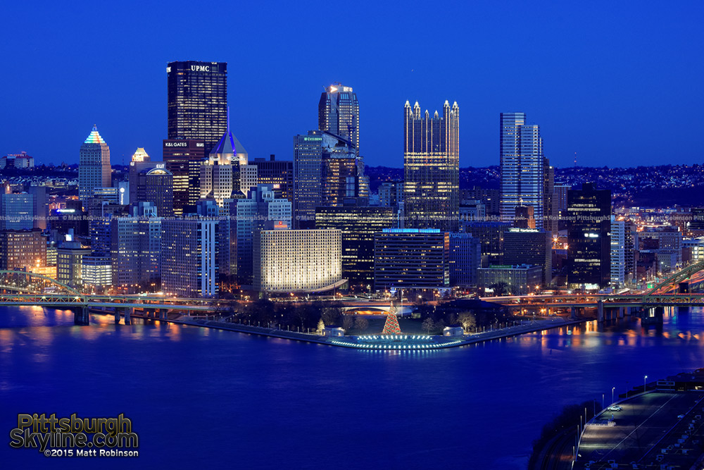 Pittsburgh skyline from the West End Overlook in 2015