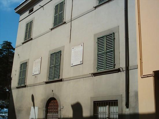https://i2.wp.com/images.placesonline.com/photos/52681_casa_natale_del_poeta_dino_campana_marradi.jpg