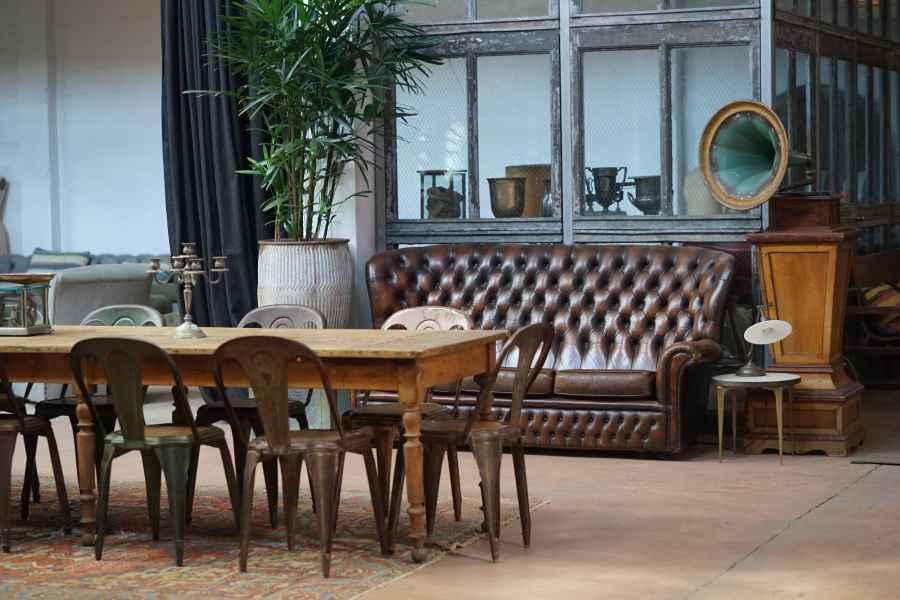 meubles anciens dictent la tendance