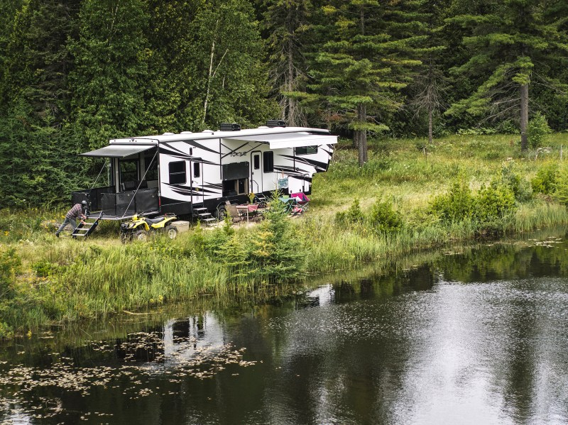 travel trailers or fifth wheel toy