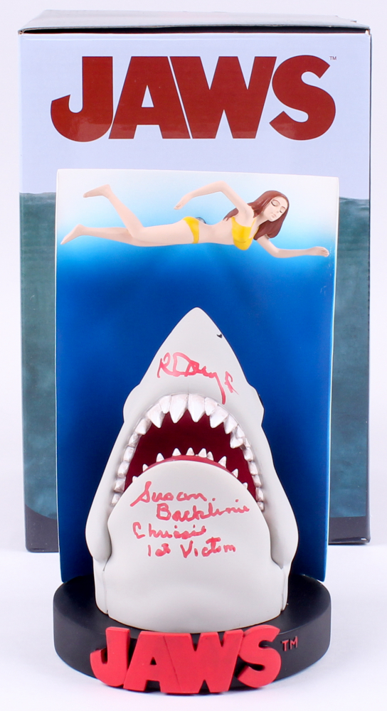 swimmer poster premium motion statue