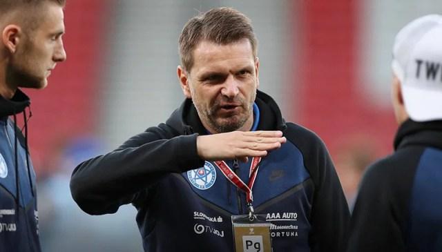 Coach Stefan Tarkovich.