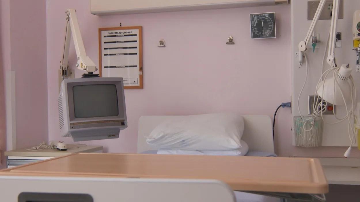 la tele dans les hopitaux une depense pour les patients une redevance pour les hopitaux