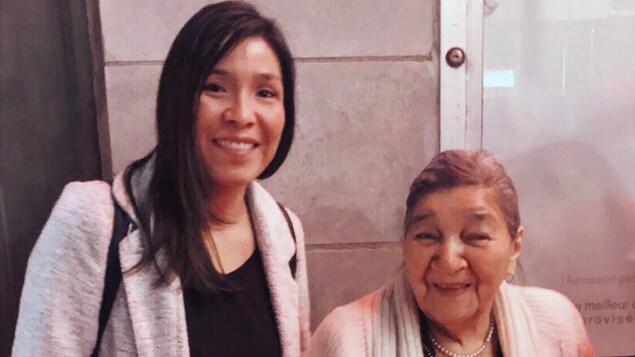 L'amour d'une grand-mère et de sa petite-fille en temps de confinement