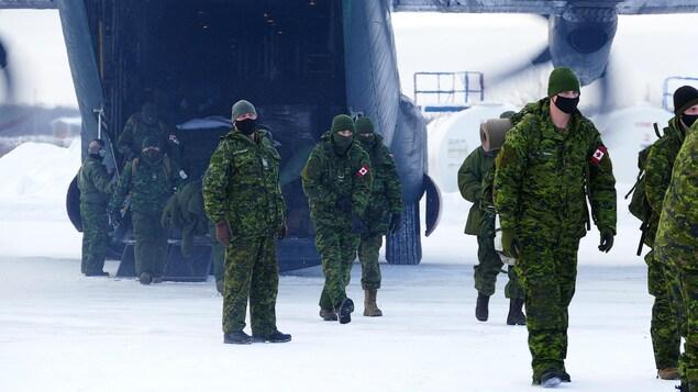 L'armée se prépare à passer Noël dans les communautés isolées touchées par la COVID-19