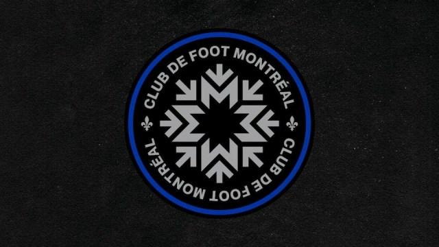 Un logo noir, gris et bleu