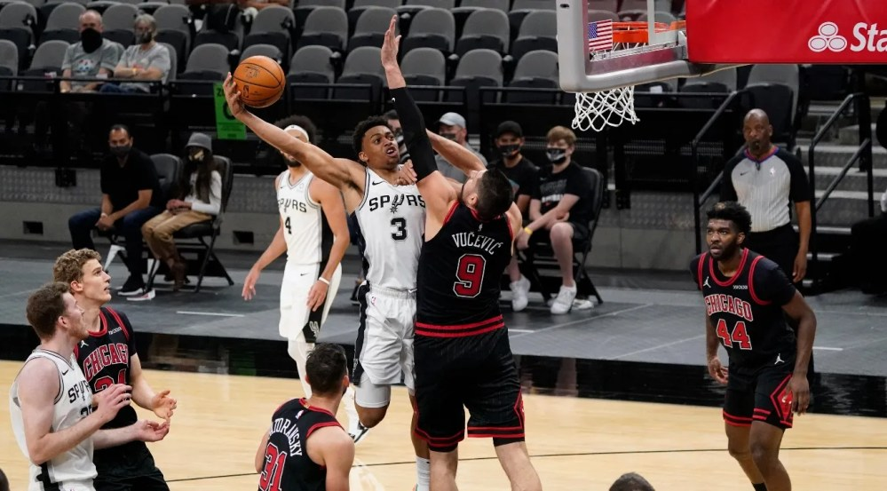 Bulls lose 120-104 to Spurs as Nikola Vucevic scores 21 points in Chicago  debut - Flipboard