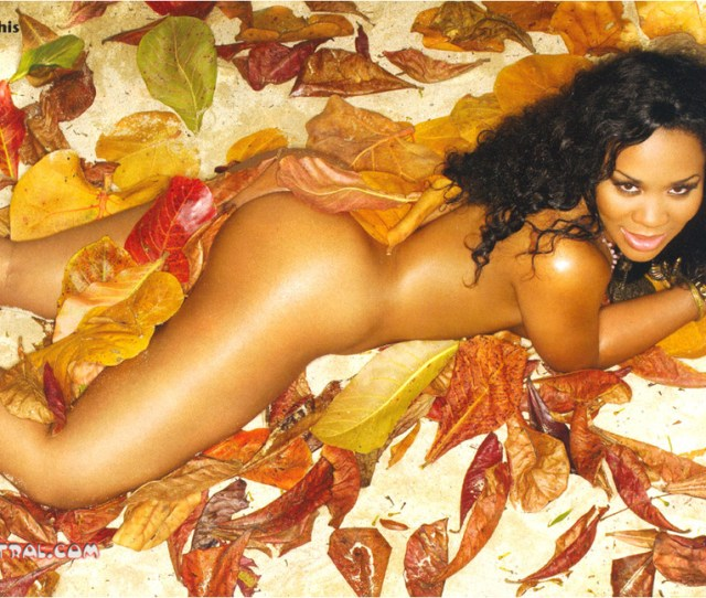 Deelishis In Some Leaves And Shit