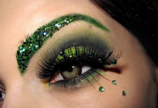 17 Extremely Impressive Avant-Garde Makeup Looks
