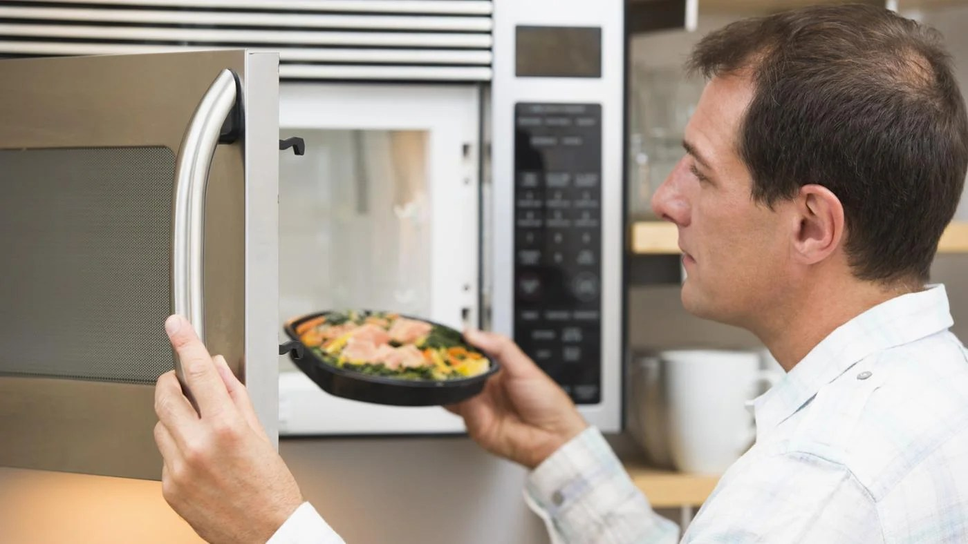 difference between a 900 watt microwave