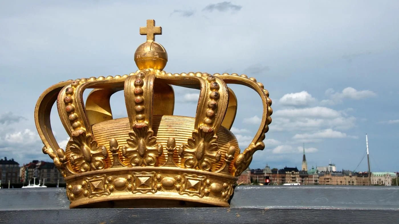 What Are Pros And Cons Of Monarchy