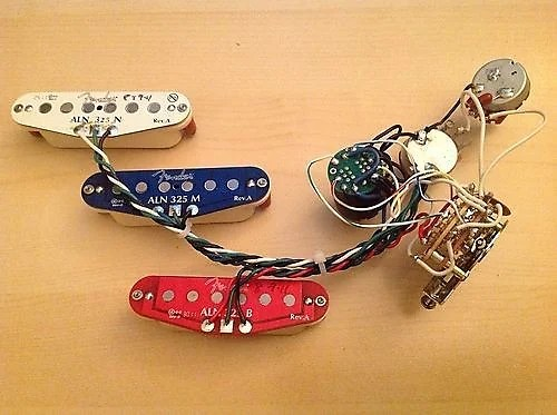 Fender N3 Noiseless Strat Pickup Set With S1 Switch &