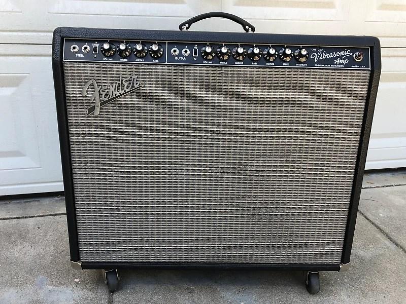 Fender Vibrasonic Black