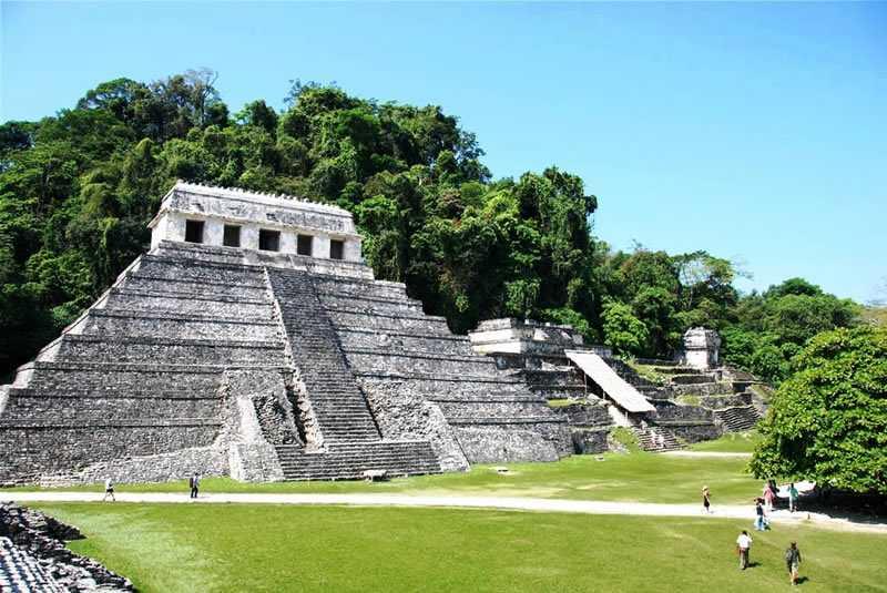 Palenque Ruinas & Agua Azul Cascades Tour
