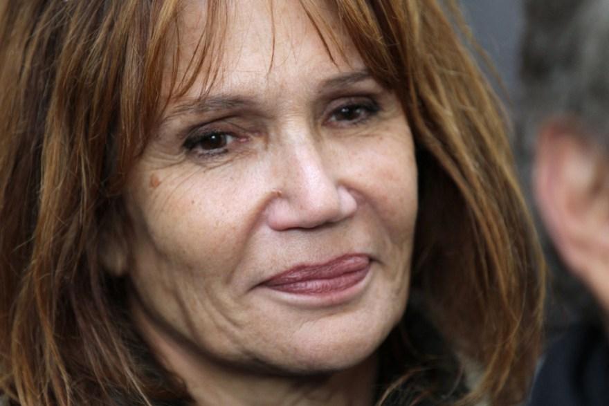 L'actrice Clémentine Célarié, le 21 octobre 2014, avant de prendre part à la célébration des 50 ans de la carrière de l'animateur Michel Drucker.